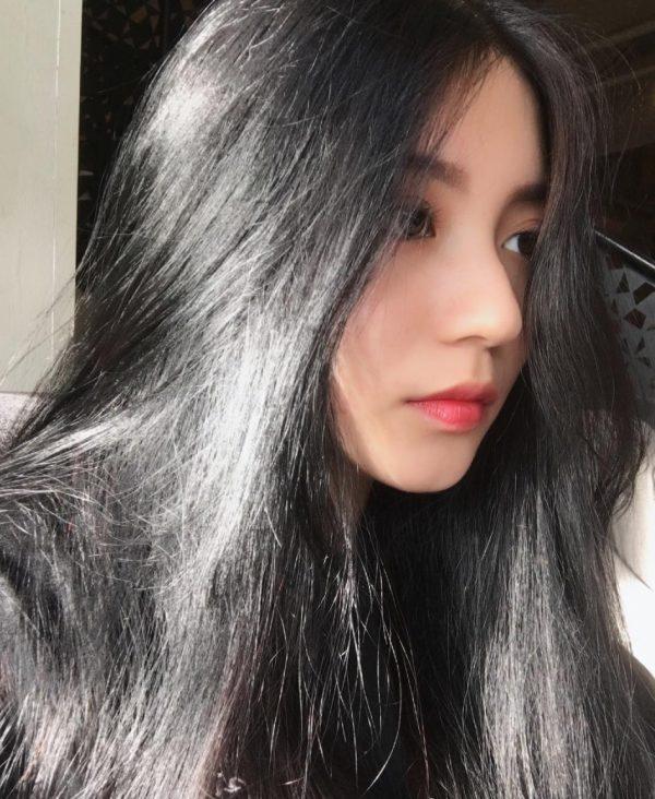 hình ảnh của hot girl 10x đăng tải