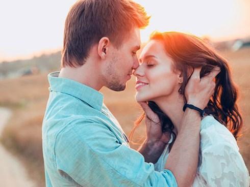 Đàn ông hấp dẫn trong mắt phụ nữ nhờ sự lắng nghe