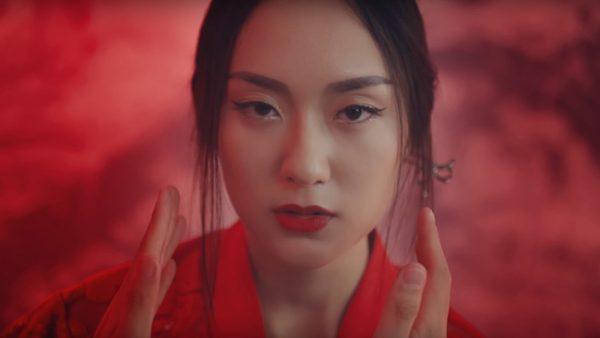 vẻ đẹp của Hot girl Hồ Thu Anh