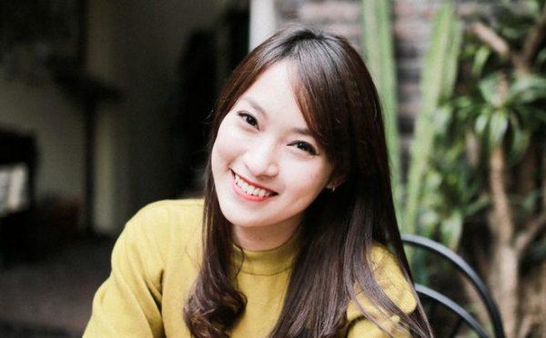 Hot girl Khánh Vy vừa xinh đẹp vừa nói được 7 thứ tiếng lưu loát