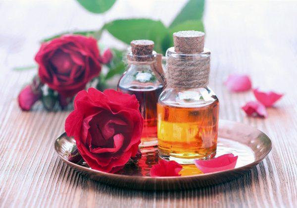 tinh dầu hoa hồng làm tăng hưng phấn