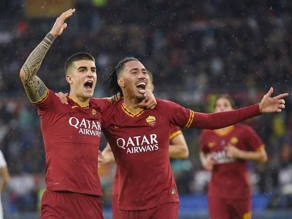 Roma tăng đề nghị cho Chris Smalling