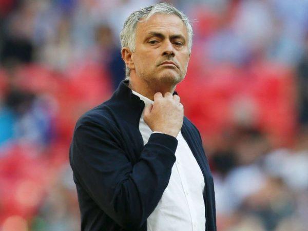 Bóng đá quốc tế 21/4: Mourinho bất ngờ dọn ra khỏi nhà