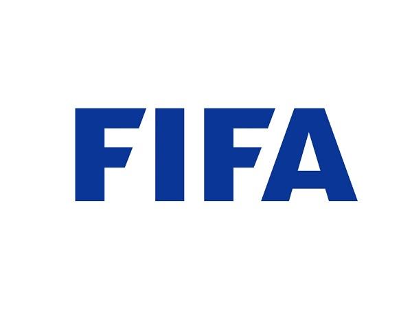 Bóng đá quốc tế 28/4: Vì COVID-19, FIFA đề xuất thay đổi luật lớn