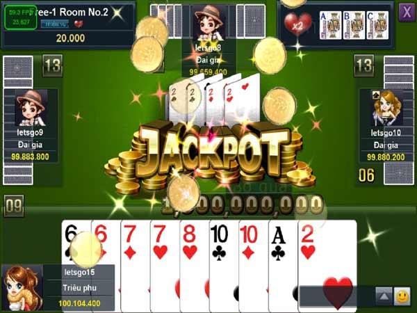 Tới trắng trong game tiến lên hoặc ăn được Jackpot đều là điều cực kỳ may mắn