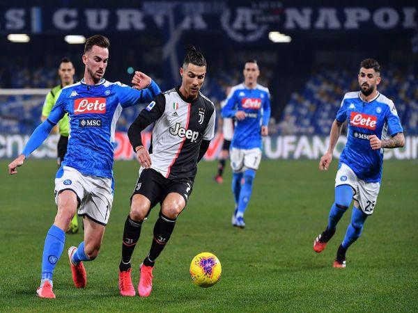 Juventus vs Napoli tử thủ giành danh hiệu
