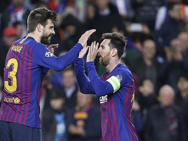 Bóng đá quốc tế tối 24/10: Pique chỉ trích ban lãnh đạo Barcelona