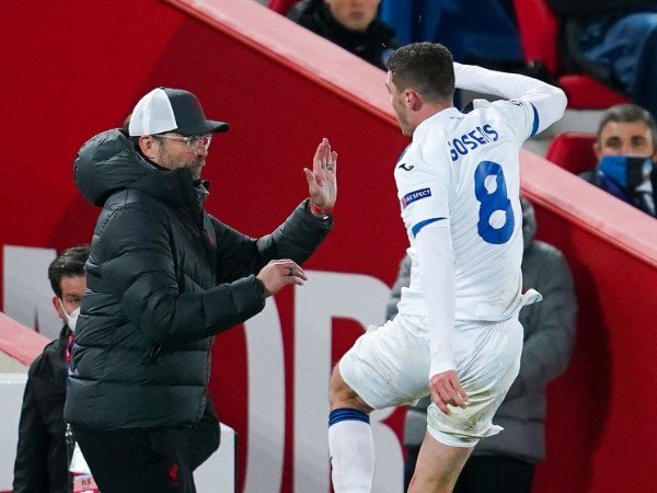 Bóng đá quốc tế chiều 26/11: Thua sốc Atalanta, Klopp chỉ trích trọng tài