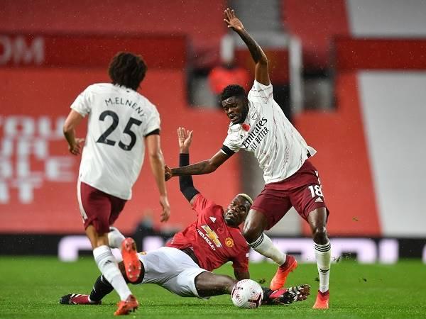 Bóng đá quốc tế chiều 3/11: Roy Keane bi quan về tương lai của Man United