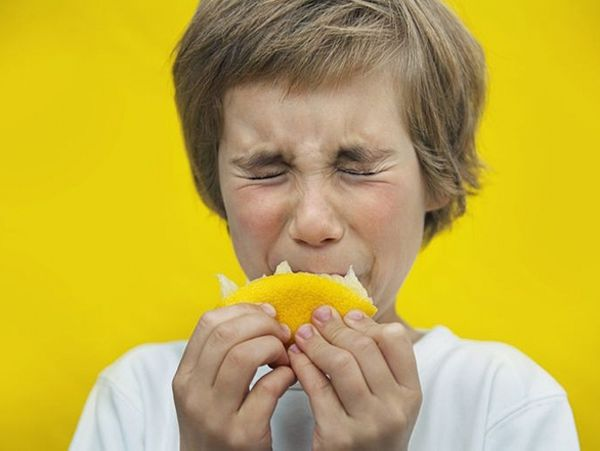 Mơ thấy ăn chua là điềm gì? Thử vận may với cặp số nào?