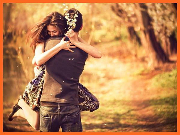 Mơ thấy ôm nhau? Giải mã điềm báo giấc mộng thấy ôm nhau